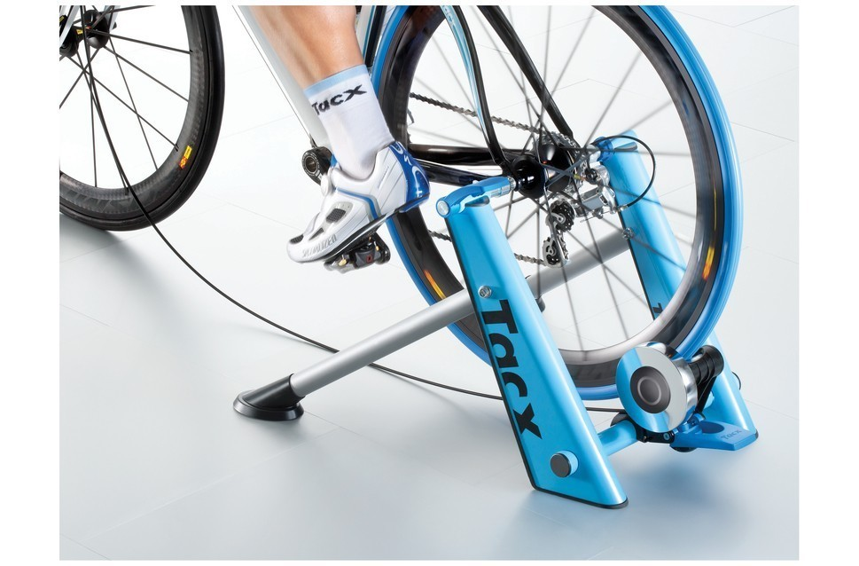 tacx-blue-motion-high-power-folding-magnetic-trainer-na-NA-EV177228-9901-1.jpg